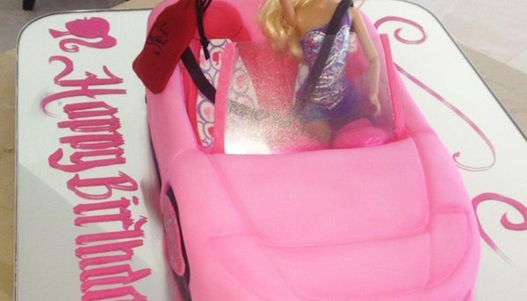 le gâteau d'anniversaire Barbie