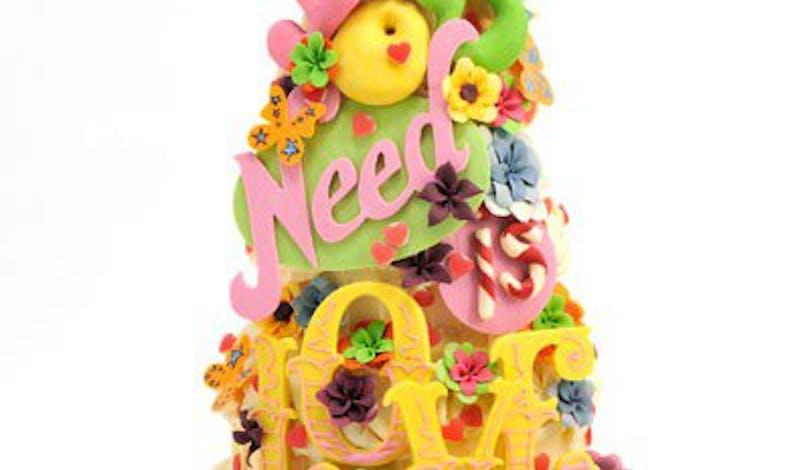 Le gâteau d'anniversaire l'amour