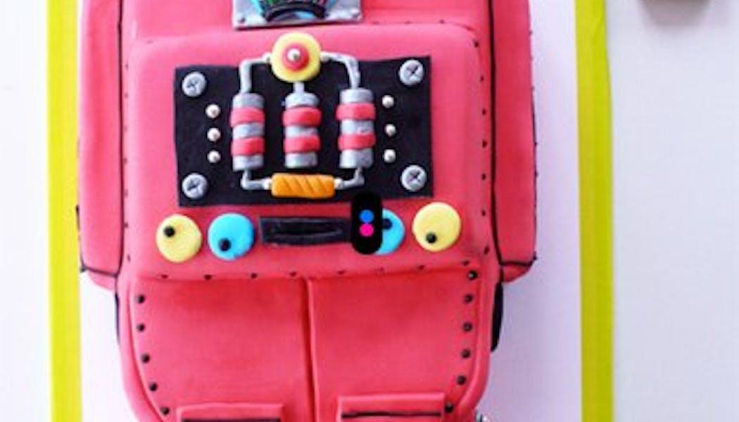 Le gateau d'anniversaire robot