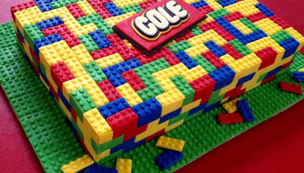 Le gâteau Lego pavé