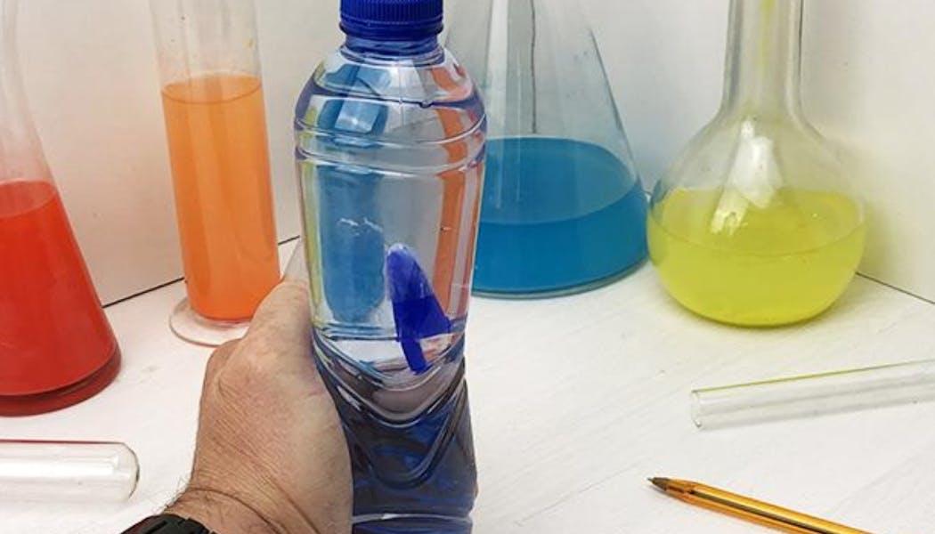 Le sous-marin en bouteille