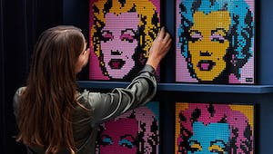 Lego Art propose de créer des tableaux sonores Marvel, Star Wars, The Beatles...