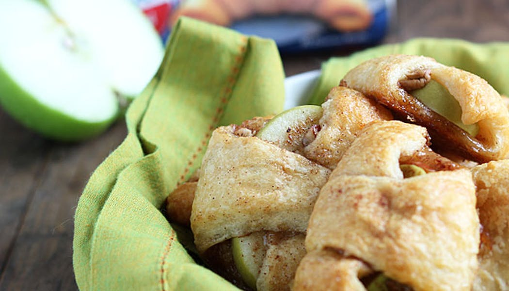 Les croissants pommes-noix à la cannelle