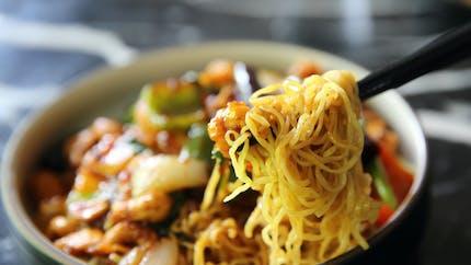 Les nouilles sautées chinoises