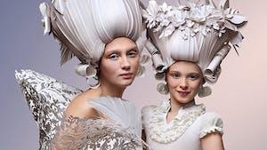 Les superbes coiffures toutes en papier d'Asya Kozina !