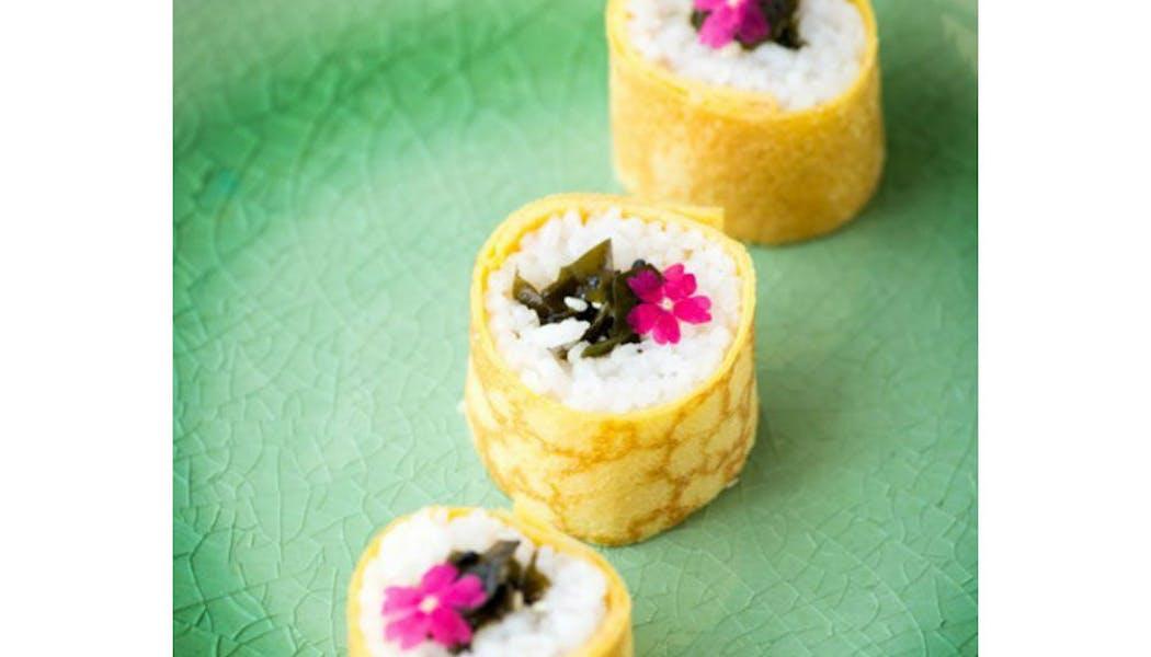 Maki à la feuille d'œuf et Tartare d'Algues       wakame