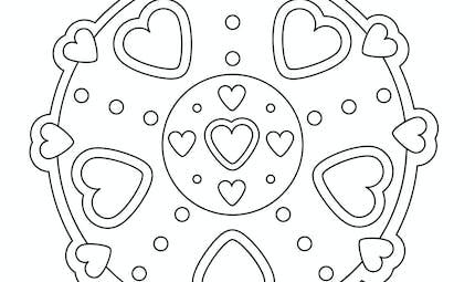 Mandala coeur à colorier (facile)