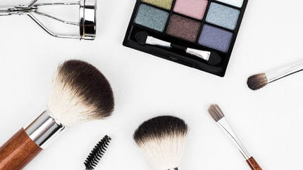 Pour ou contre le maquillage à l'école ?