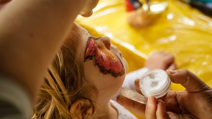 Maquillage enfant papillon