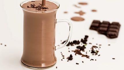 Milk-shake au chocolat, une boisson super gourmande