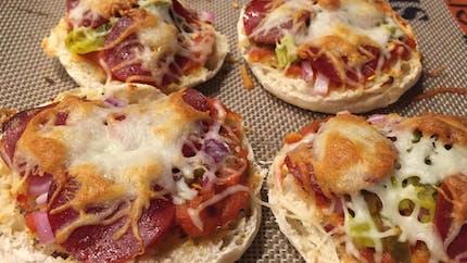 Mini pizza au fromage, quand le muffin devient pizza