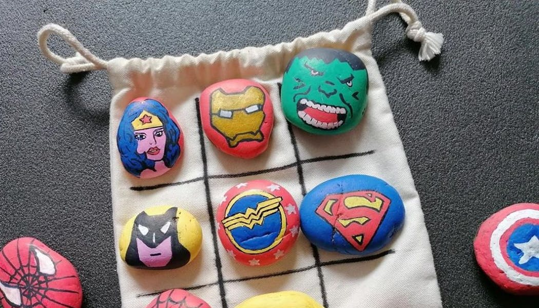 Morpion galets super-héros