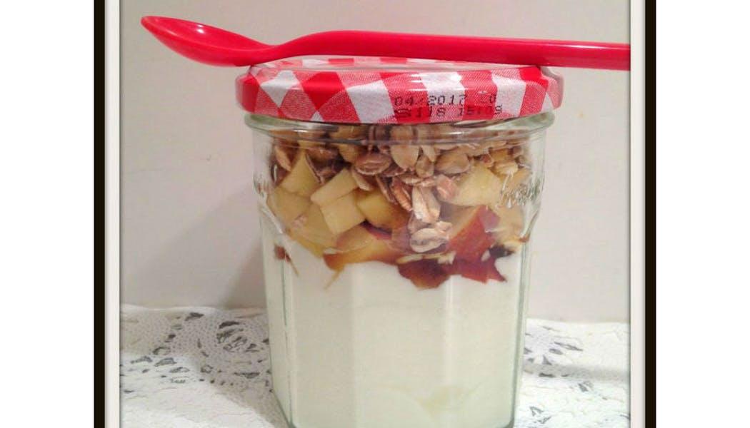 Petit-déjeuner muesli & pomme à emporter