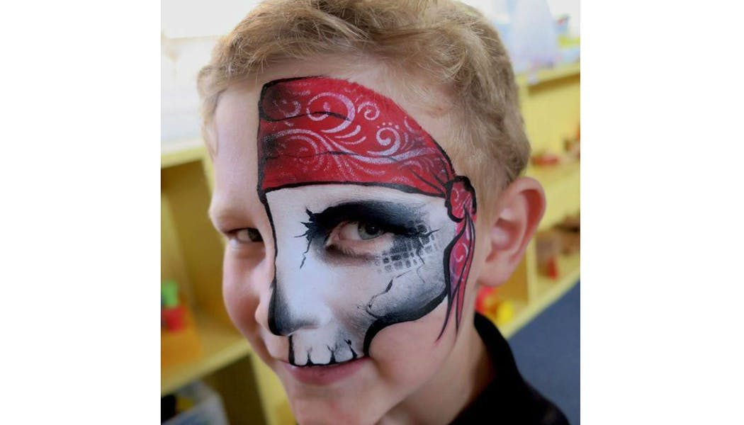 Pirate et tête de mort