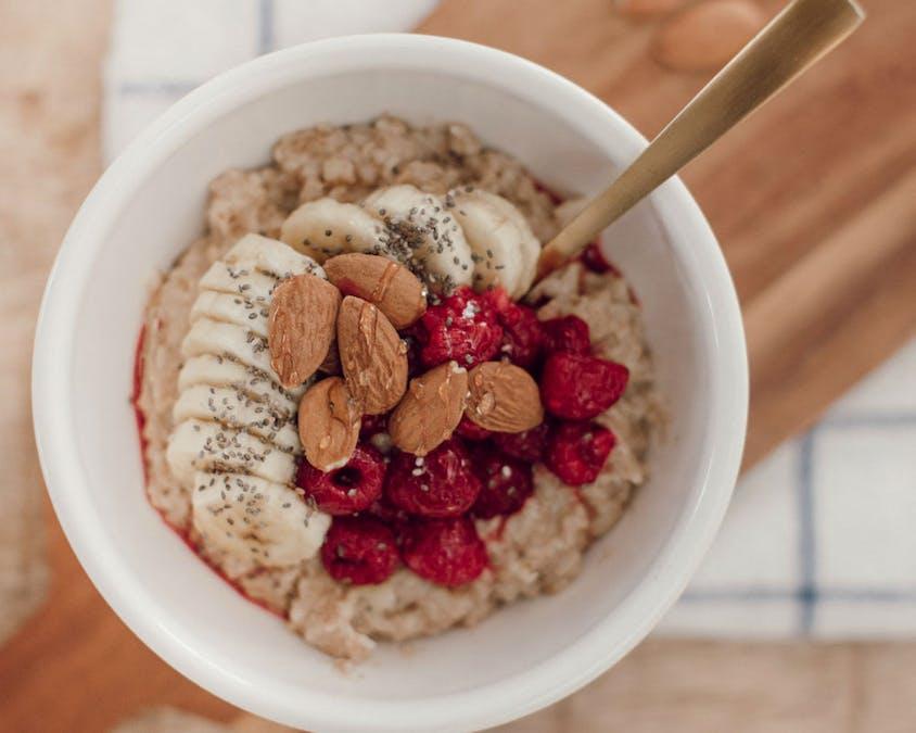 Porridge d'avoine au lait d'amande