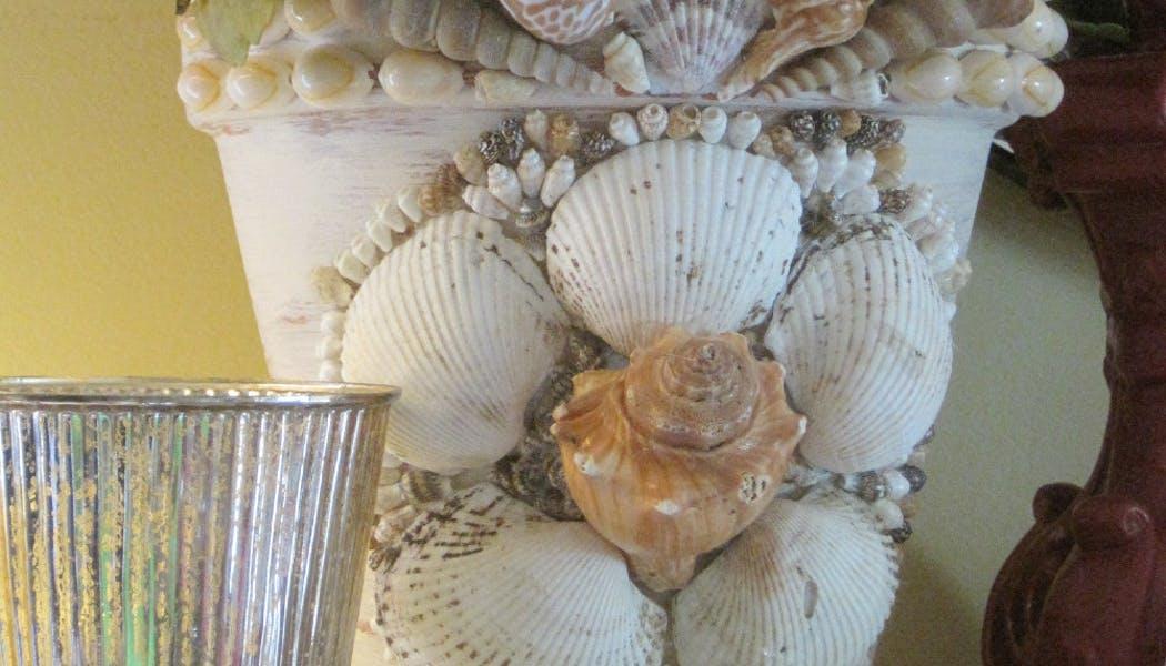 Pot de fleurs coquillages