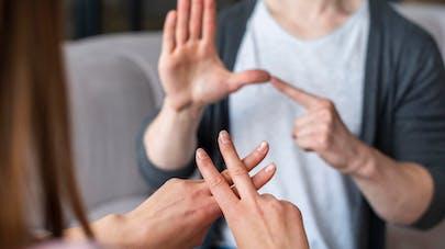 sourd langue signes