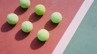 symétries avec des balles de tennis