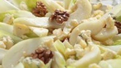 Salade aux endives au noix et aux pommes