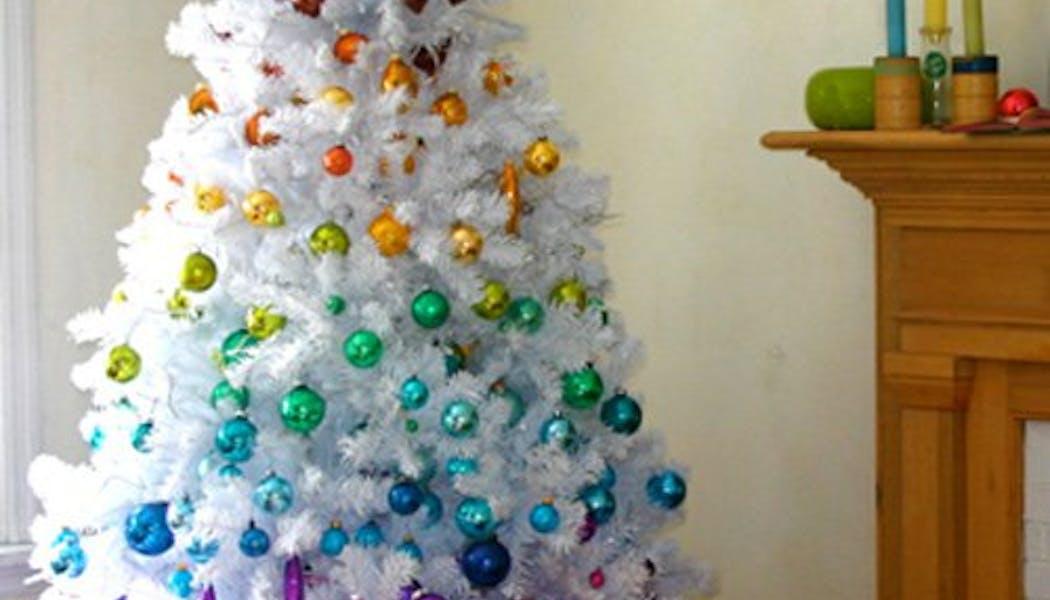 Sapin de Noël arc-en-ciel