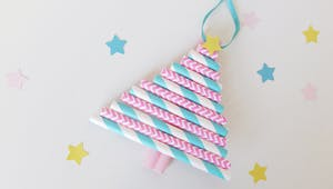 Sapin de Noël avec des pailles