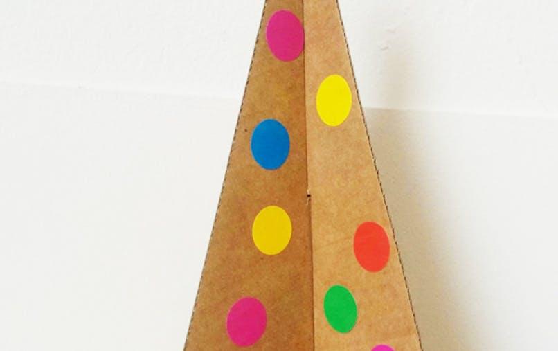 sapin de noel en carton bricolage enfant