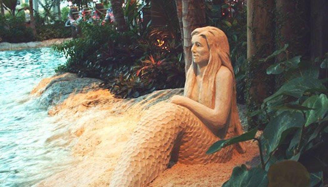 Sirène en bord de mer