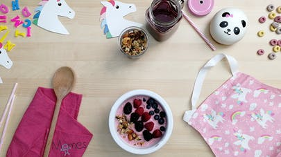 Smoothie bowl fruits rouges momes