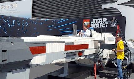 Star Wars : un vaisseau X-Wing Starfighter taille réelle tout en Lego à Paris