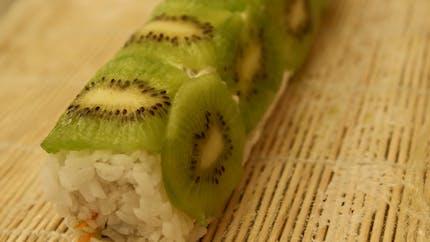 Sushi aux fruits : une délicieuse recette à base de riz au lait