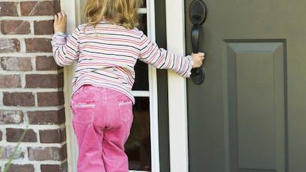 Toc, toc, frappons à la porte