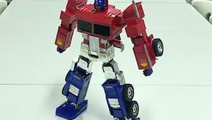 Transformers : un incroyable jouet Optimus Prime !
