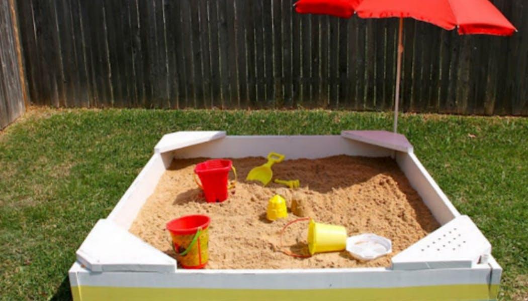 Un bac à sable fait maison