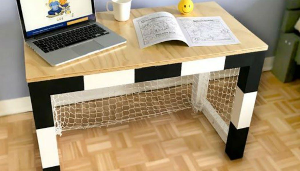 Un bureau cage de foot