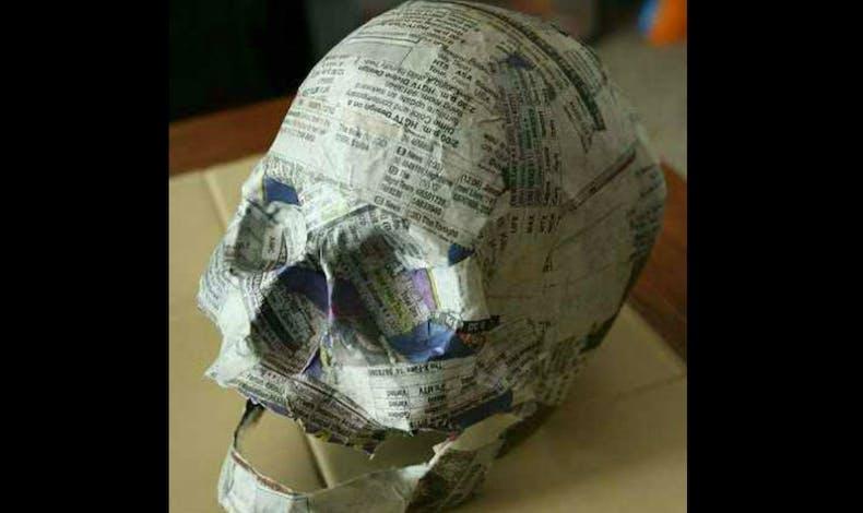 Un faux crâne... en papier