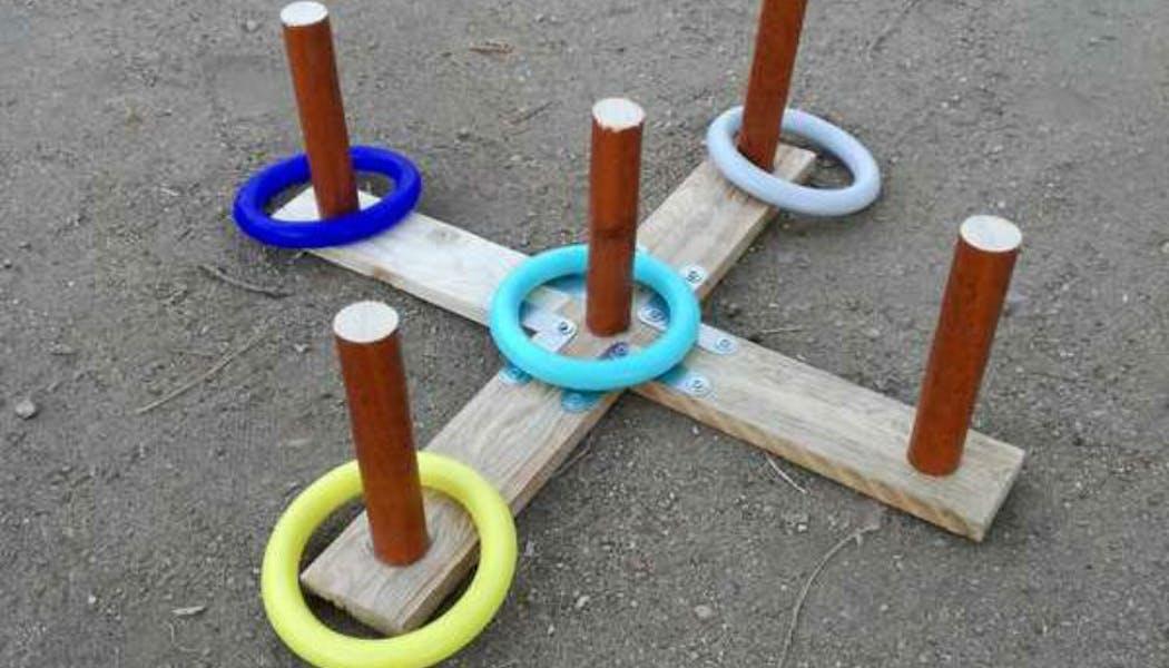 Un jeu d'anneau en bois