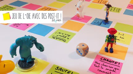 Un jeu de l'oie géant avec des Post-It