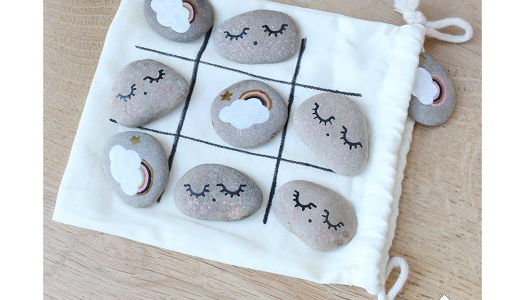 idées cadeaux Noël DIY faire soi-même bricolages Un         jeu de morpions galets
