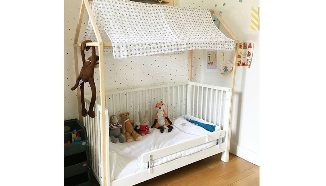 Un lit customisé en cabane