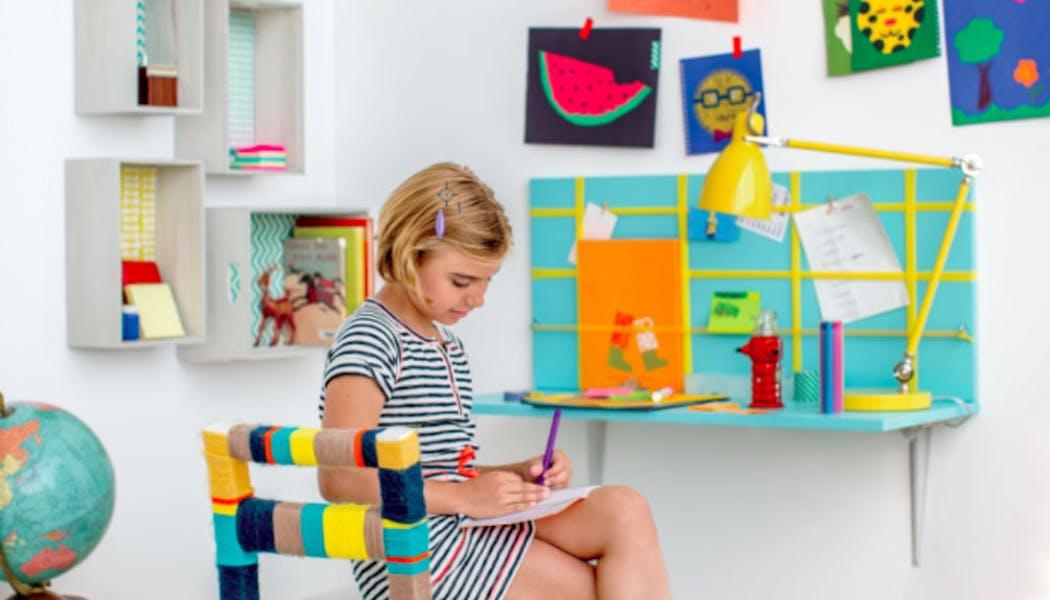 Un mini bureau façon étagère murale