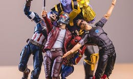 Un photographe donne vie à ses figurines de Super-Héros avec beaucoup d'humour !