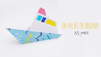 Un yacht de croisière en papier