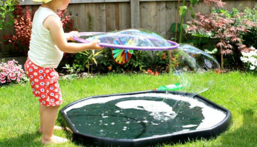Une bulle géante de savon