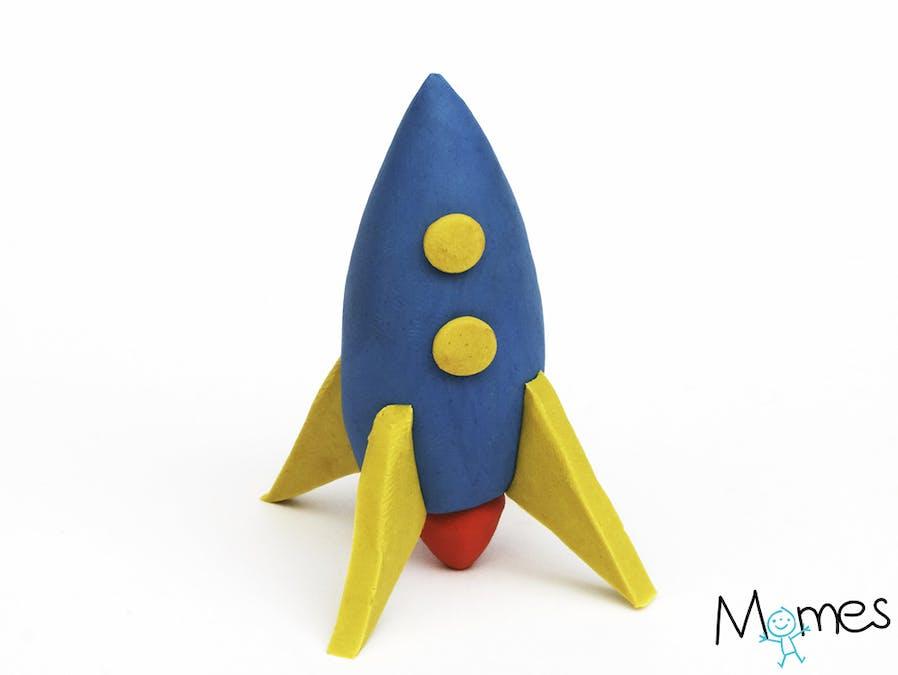 Une fusée en pâte à modeler