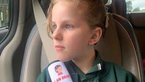 Une maman crée des protèges-ceintures pour avertir les secouristes des problèmes de santé des enfants