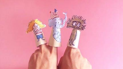 """Marionnettes à doigts des personnages de la BD """"Ana Ana"""""""