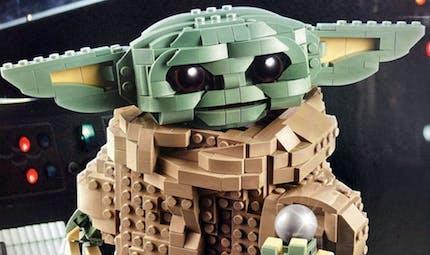 Star Wars : le fameux Baby Yoda de The Mandolarian enfin en Lego !