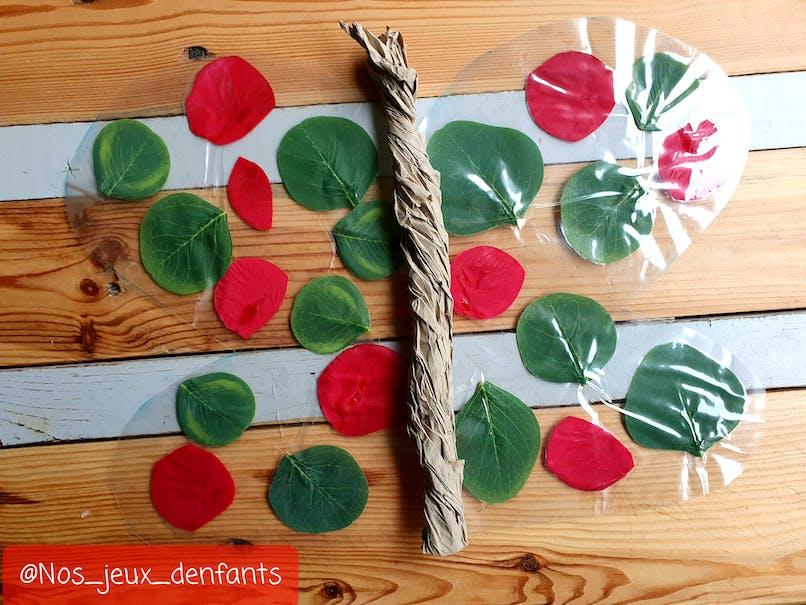 Choix 1 : assembler les ailes du papillon avec du papier carton