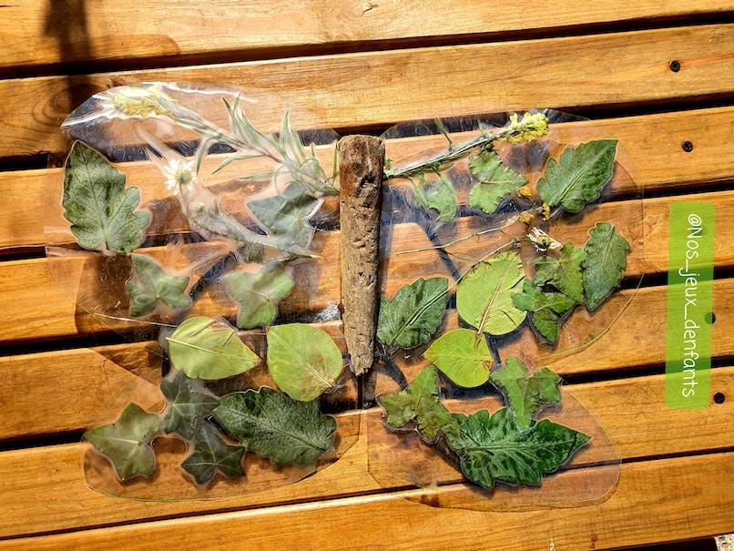 Choix 2 : assembler les ailes du papillon avec du bois