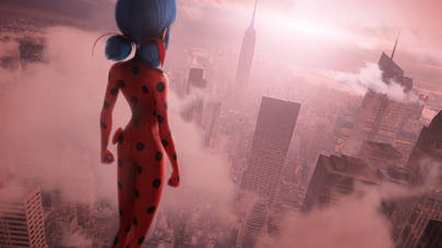 Marinette LadyBug face à New York film Miraculous World: New York les héros réunis